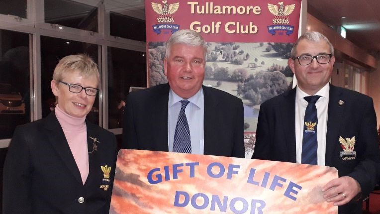 Lung transplant recipient's special recognition at local golf club